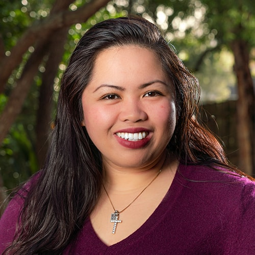 Photo of team member Stephanie Dino – Assistant 3-6 Environment