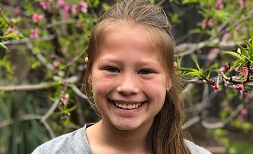 Photo of 9-12 student Nina.